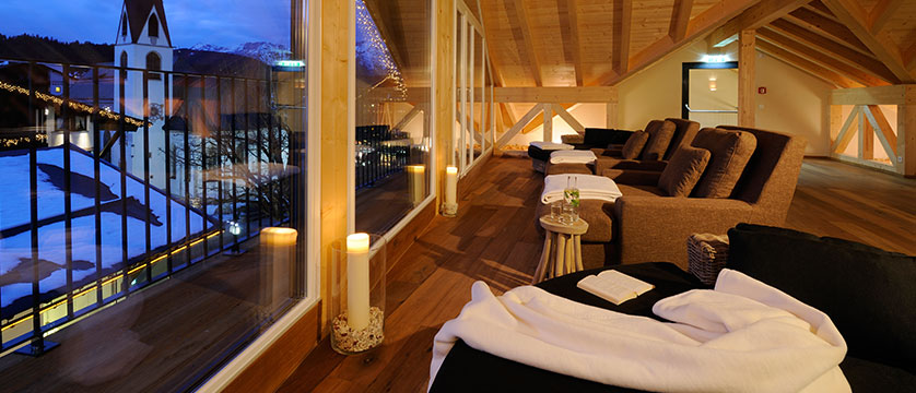 Austria_Seefeld_Krumers_Post_relax_room.jpg